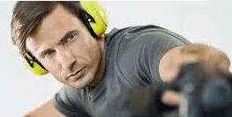 Gehörschutz beim Sägen mit der Kappsäge